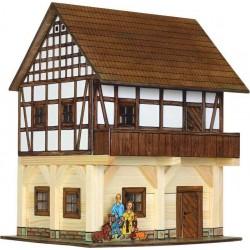 Kleiner stall walachia for Fachwerkhaus bauen