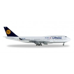 LUFTHANSA BOEING 747-400 FC BAYERN MUENCHEN HERPA WINGS 528306 scala 1:500 model